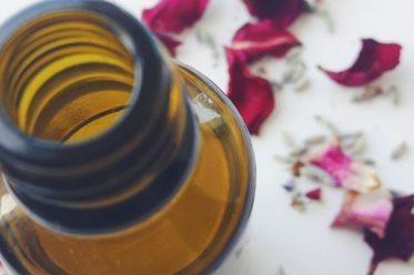 naravna olja proti gubam